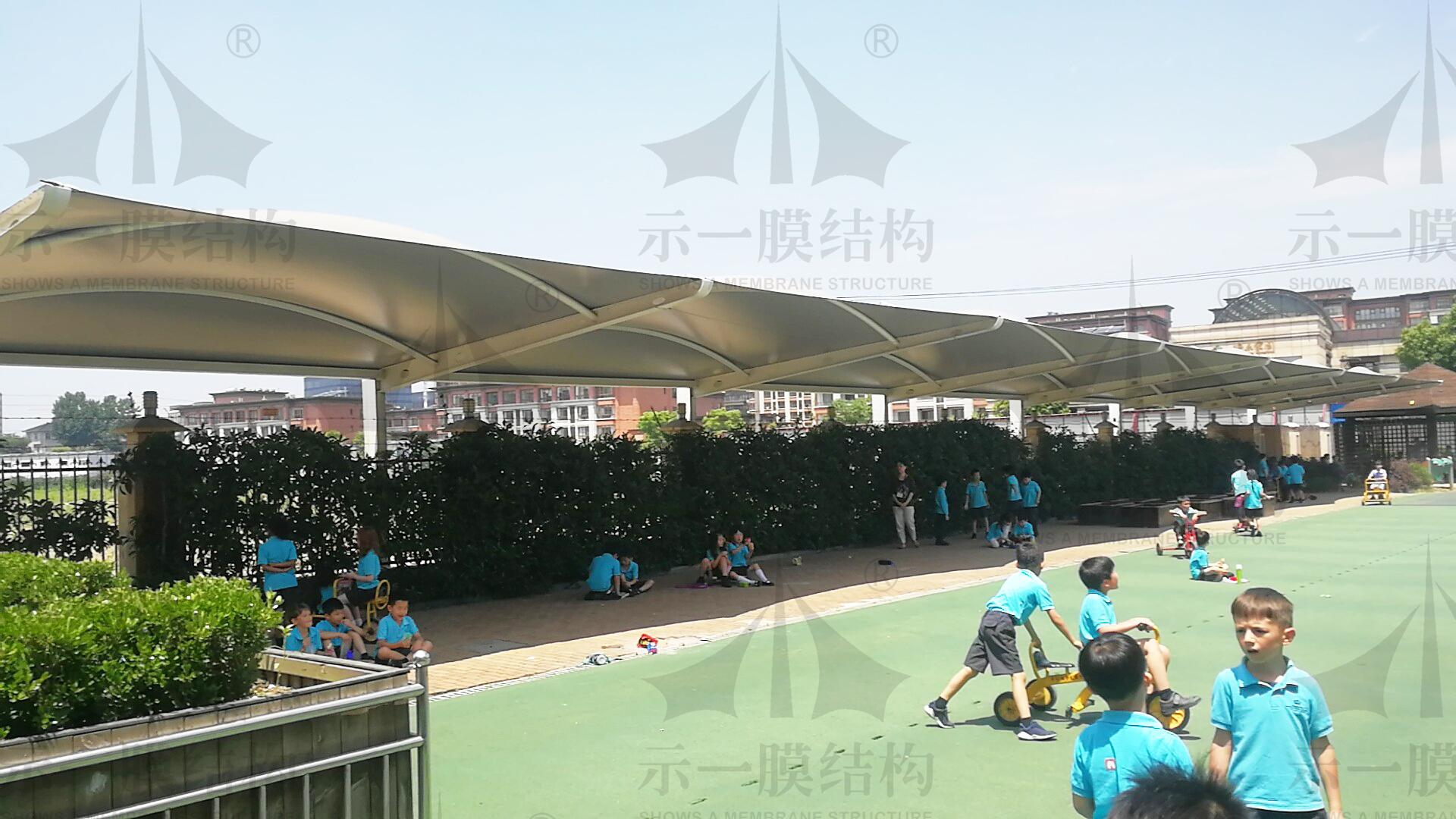 上海示一膜结构英国学校景观棚