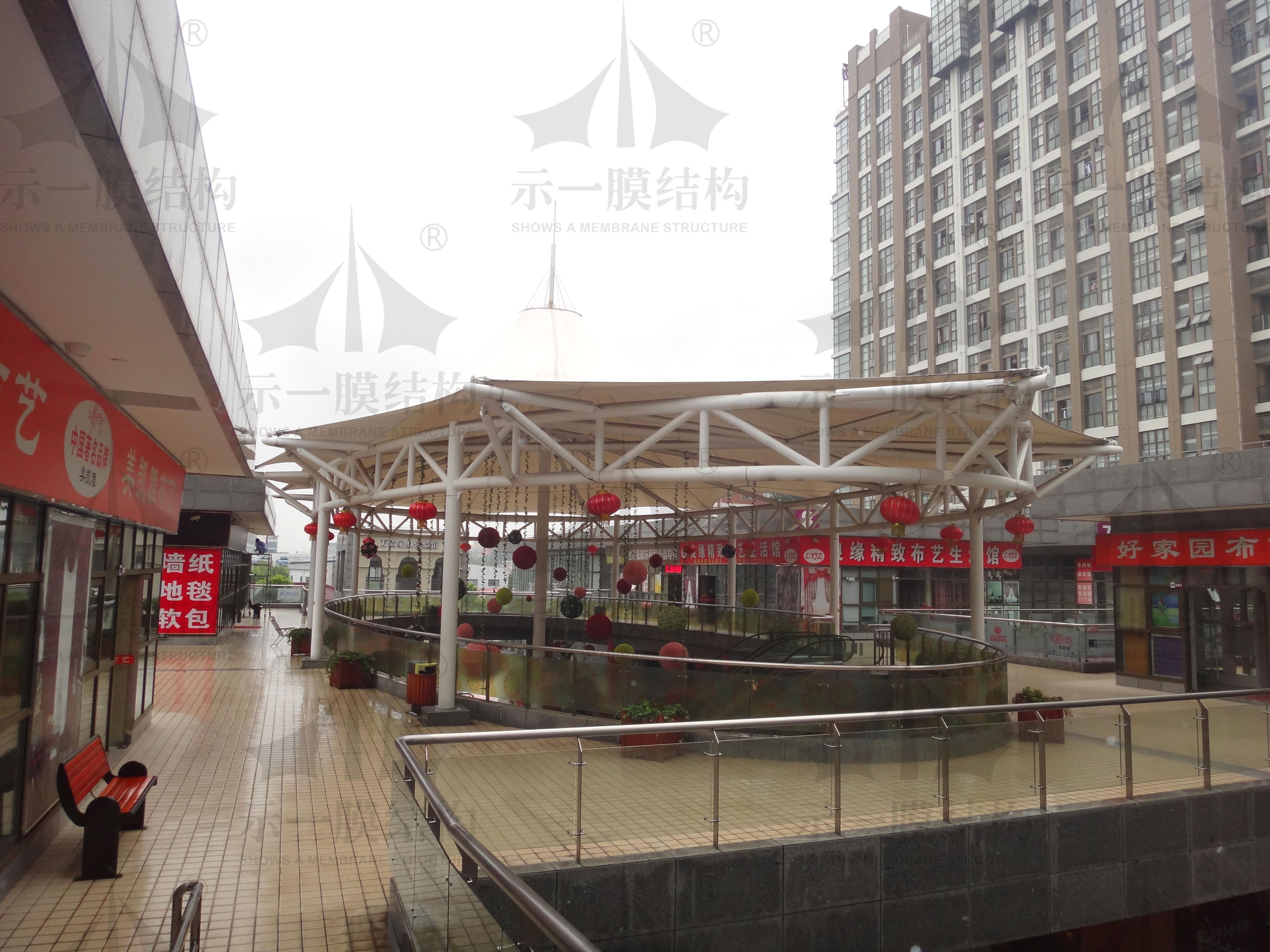 多雨季节安装膜结构需要注意什么?